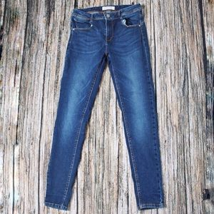 🎀3/$30 Eighty Two Blue Skinny Jeans Size 11